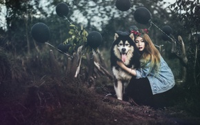 Picture girl, balls, dog