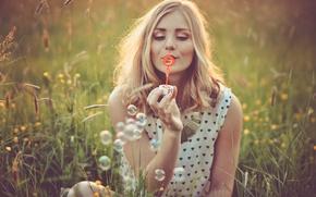 Picture flowers, bubbles, hair, bubbles, flowers, hair, smiling, smiling, enjoying, enjoying