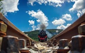 Picture road, rails, train