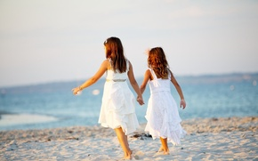 Picture sand, sea, beach, summer, children, background, widescreen, Wallpaper, mood, girls, dress, girl, wallpaper, sisters, widescreen, …