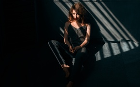 Picture sadness, girl, reverie, model, portrait, jeans, camera, Mike, shadows, light, red, black, young, mood, imprisonment, …