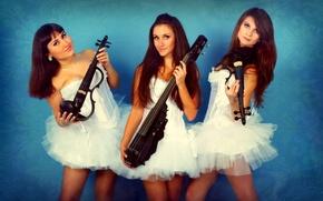 Picture violin, instrumento, in white, three girls, violin group dolls