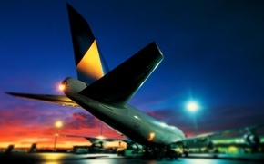 Picture Lights, Night, Airport, Boeing, the plane, Boeing, 747