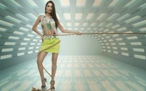 Picture Model, Andresa Alves, String Spiral