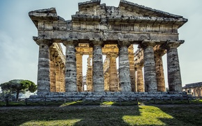 Picture Italy, columns, ruins, The Temple Of Apollo, Paestum