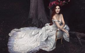 Picture dress, wreath, Bernadette Lemon
