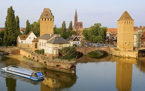 Picture the sky, trees, bridge, river, ship, tower, home, Cathedral, channel, France, Strasbourg, the Church, Strasbourg