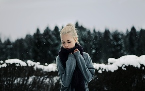 Picture winter, girl, snow, blonde, snowfall, winter, bokeh, blonde, cold, snowing, razmyty