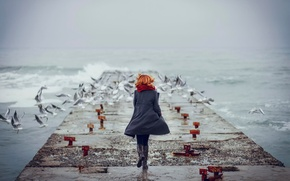 Picture wave, girl, the ocean, seagulls, running, pierce, redhead