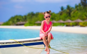 Picture sea, beach, summer, shore, boat, child, glasses, girl, Coast, Boats, Little girls
