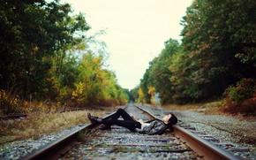 Picture girl, cigarette, railroad