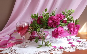 Picture glass, roses, bouquet