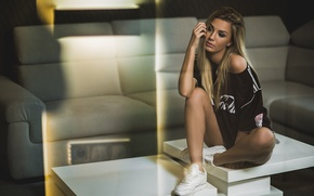 Picture girl, style, sneakers, t-shirt, blonde, girl, model, swag, Jacob Mrozek