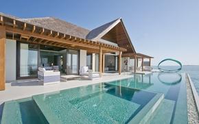 Picture the ocean, Villa, pool