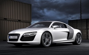 Picture the sky, night, background, Audi, Audi, silver, supercar, the front, containers, V10, B10