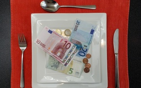 Picture money, devices, lunch