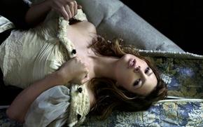 Picture actress, lies, fur, Jessica Biel