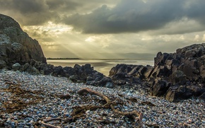 Picture sea, the sky, clouds, stones, rocks, coast, rays of light
