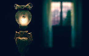 Picture light, lamp, window