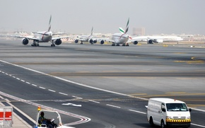 Picture Airport, Boeing, 300, 777, The plane, Airbus, 800, A-380