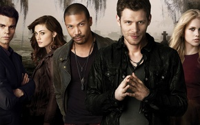 Picture Elijah, Rebecca, Claire Holt, Joseph Morgan, Klaus, Joseph Morgan, Klaus, Phoebe Tonkin, Phoebe Tonkin, Hayley, ...