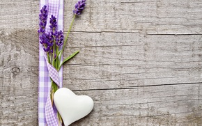 Picture table, tape, heart, lavender