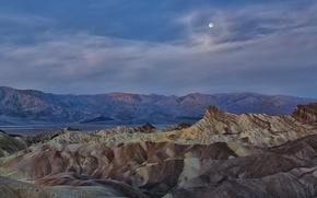 Picture mountains, night, the moon, tops