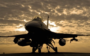 Picture clouds, overcast, Fighting, Iraq, Falcon, airbase, UNITED STATES AIR FORCE, F-16C, Balad
