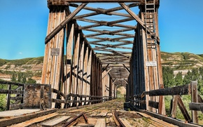 Picture the sky, bridge, railroad