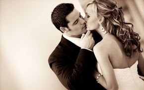 Picture love, mood, romance, feelings, kiss, dress, pair, costume, relationship, the bride, wedding, the couple, the ...