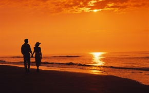 Picture sea, beach, sunset, the evening, two, beach, silhouettes, sunset, couple, walking