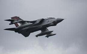 Picture fighter-bomber, Panavia Tornado, Tornado
