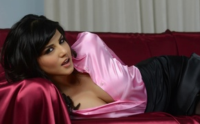 Picture chest, look, sofa, model, actress, brunette, Sunny Leone