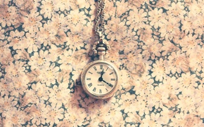 Picture background, arrows, watch, figures, chain