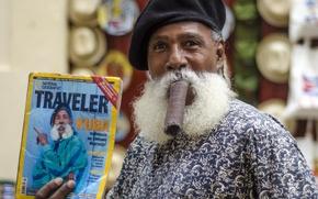 Picture mustache, man, cigar, journal, Cuba, Havana