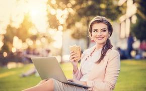 Picture girl, smile, brunette, laptop, hamburger