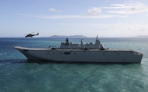 Picture sea, landing, ship helicopter, HMAS Canberra