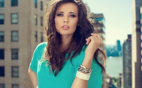 Picture look, girl, eyelashes, the wind, bracelet, beautiful, brown eyes