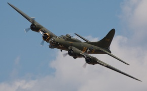 """Picture the sky, the plane, American, WW2, heavy, metal, """"Flying fortress"""", four-engine bomber, Boeing B-17, Flyig ..."""
