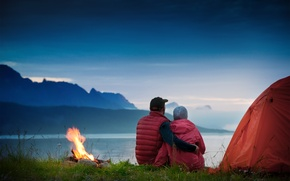Picture grass, fog, lake, fire, the evening, pair, tent, twilight, the fire