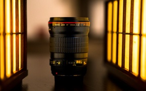 Picture light, lens, Canon 135mm f2