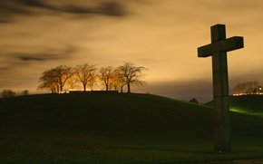 Picture trees, night, cross