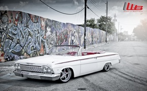 Picture white, tuning, logo, Chevrolet, Chevrolet, drives, classic, chrome, tuning, the front, Impala, Impala, wall.grafiti