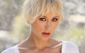 Picture look, blonde, Brooke Taylor, piercing.