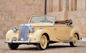 Picture retro, vintage, mercedes-benz 170s cabriolet