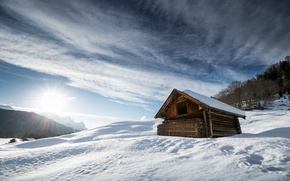 Picture the sky, snow, mountains, house