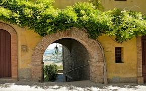 Picture greens, arch, bridge, Italy