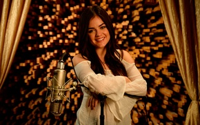 Picture actress, microphone, singer, Lucy Hale
