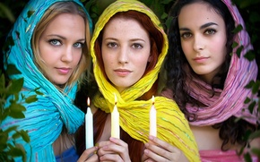 Picture girls, candles, three