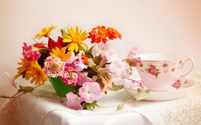 Wallpaper bouquet, Cup, napkin, © Elena Di Guardo